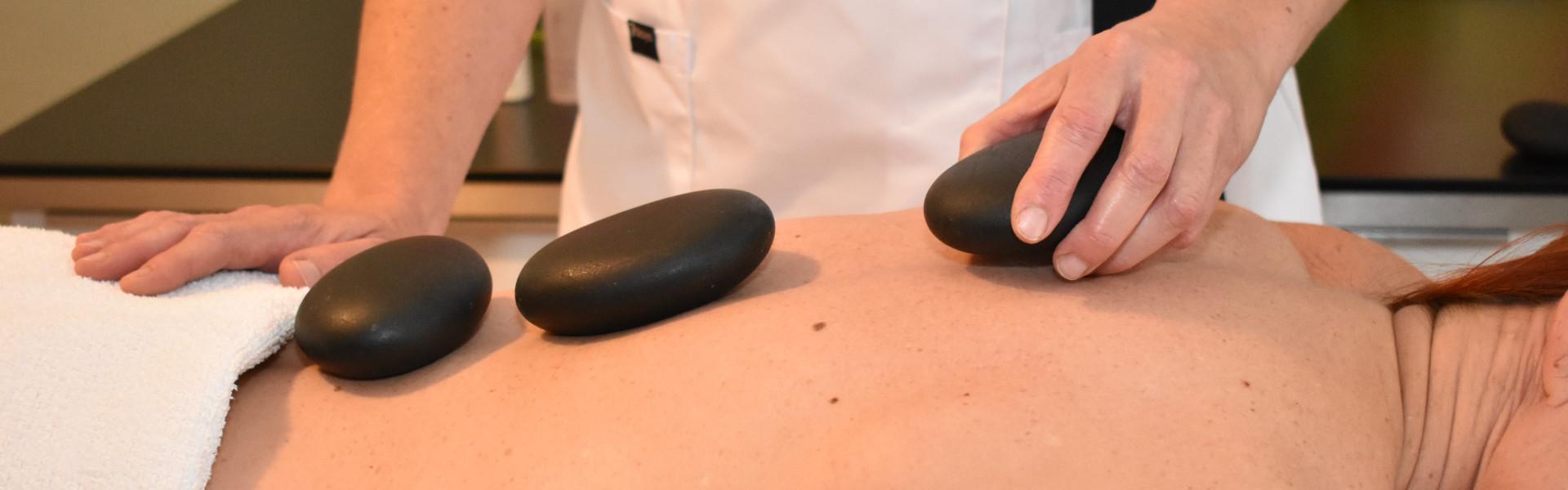 hotstone massage behandeling
